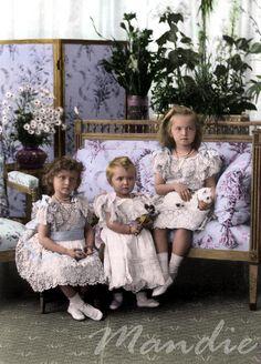 Tatiana, Maria and Olga in 1900