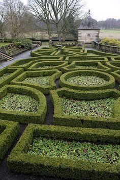 pollock house, parterre garden
