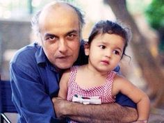 Some Rare Photos of Famous Bollywood Celebrities, Rare Bollywood Celeb photos, Childhood pics of Bollywood Stars and Kids, we are sharing adorable kids. Bollywood Couples, Bollywood Photos, Bollywood Stars, Bollywood Celebrities, Bollywood News, Bollywood Actress, Indian Bollywood, Rare Pictures, Rare Photos