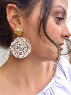 If you own valuable jewelry such as diamond earrings, pendants, diamond rings, or other fine jewelry items, you can keep these products for a lifetime if you look after them. Bead Jewellery, Diy Jewelry, Beaded Jewelry, Beaded Necklace, Jewelry Design, Fashion Jewelry, Paper Earrings, Bead Earrings, Statement Earrings