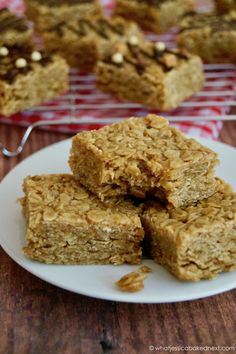 British Flapjacks (Chewy Oat Bars) – What Jessica Baked Next… Oats Recipes, Brownie Recipes, Baking Recipes, Dessert Recipes, Pudding Recipes, Flapjack Recipe Chewy, Healthy Flapjack, Chocolate Flapjacks, Snacks