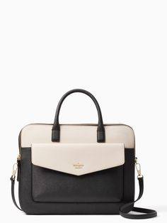 If you need a cute laptop bag for school or a sleek, stylish laptop case for work, we've got you covered. Here are the best laptop bags that will organize your essentials, keep your electronics protected and make a style statement! Cute Laptop Bags, Kate Spade Laptop Bag, Laptop Bag For Women, Kate Spade Briefcase, Hippie Look, Hippie Style, Wallpapers Macbook, Laptop Apple, Wallpaper Computer