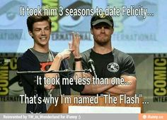 Grant Gustin and Stephen Amell lol! Superhero Shows, Superhero Memes, Arrow Memes, Arrow Funny, The Flashpoint, Flash Funny, The Flash Grant Gustin, Dc Tv Shows, Univers Dc