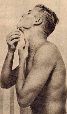 Aldo Ray, Tab Hunter, Pose, Anthony Perkins, Hollywood Star, Men's Grooming, American Actors, Vintage Men, Gay