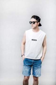 #lookbook #pattern #printing #newseason #campcap #colorful #basic #graphic #black #thezeem #더짐 #모자 #hat #cap #designer #design #디자인 #브랜드 #brand #스냅백 #snapback #mans #clothes #sleeveless #tshirt #korea #seoul #fashion #fashionbrand #style WWW.THEZEEM.COM