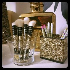 Makeup holder(Brushes not included) Beautiful glass brush or storage holder Makeup