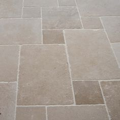 Carrelage Dallage Travertin Opus Romain intended for Carrelage Opus Romain Wooden Flooring, Kitchen Flooring, Green Country Kitchen, Contemporary Outdoor Furniture, Terrace Floor, Natural Stone Flooring, Outdoor Tiles, Best Flooring, Terrace Design