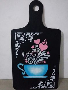 Would be a super cute applique on an apron! Easy Diy Crafts, Diy Crafts To Sell, Home Crafts, Decoupage Box, Frame Display, China Painting, Crafty Projects, Wood Wall Art, Stencils