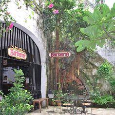 #BarbarasCafe in #CasaMuseum, #intramuros - #manila #oldtown. #tbex #tbexph #philippines #itsmorefuninthephilippines #travel :grinning::heart::earth_americas::camera::fork_knife_plate: