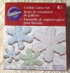 """Wilton Christmas Holiday 4 Piece Metal Snowflake Cookie Cutters 2"""" to 4.25 New  