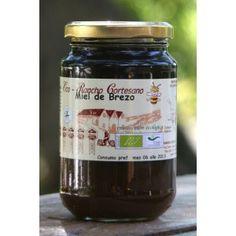 La miel de brezo. Su color oscuro le delata, pero si la pruebas descubrirás sus sabor aromático. Es perfecto para regular la hipertensión.