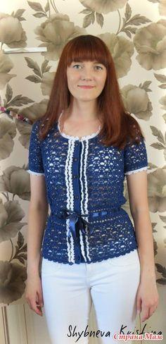 Здравствуйте, дорогие рукодельницы!  Сегодня я представляю Вашему вниманию своё воплощение этой блузы.  Еще год назад я купила ниточки для нее, но долгое время боялась за нее браться, т. к.