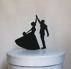 Up top: | 21 Adorably Unusual Wedding Cake Toppers