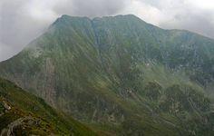 moldoveanu-0.jpg.910x580_q85_crop-top.jpg (910×580) Romania