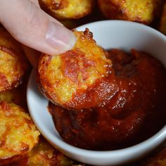 Try this Quinoa Pizza Bites Recipe the next time you get your pizza craving. Each gluten free mini pizza bite is filled with cheese and pepperoni.