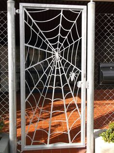 Something for Halloween Wrought Iron Decor, Wrought Iron Gates, Iron Front Door, Iron Doors, Metal Art Projects, Welding Projects, Junk Metal Art, Indoor Shutters, Container Shop