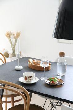 aamiainen iittala hunajaista sisustusblogi koti home Nordic Interior, Interior And Exterior, Koti, Scandinavian Style, Table Settings, Finland, Kitchen, Houses, Dreams