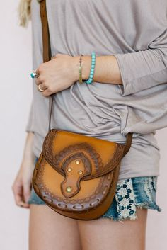 Genuine Tooled Leather Crossbody Purse Messenger Bag Vegetable Tanned Ombre Tan…