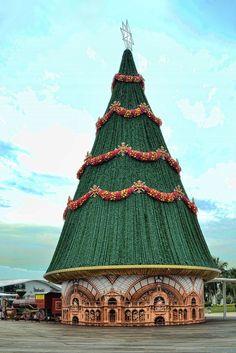 Singapore Christmas Tree...............