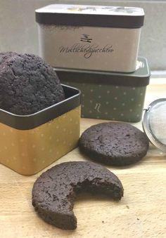 I biscotti al cacao con ricetta veloce sono deliziosi, il dolce perfetto da preparare in una manciata di minuti quando si ha un'improvvisa voglia di dolce..