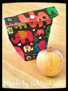 Apfeltasche, nähen, sew, Tasche, Bag, Plastik vermeiden, no Plastik, Geschenk, Geschenkverpackung Coin Purse, Lunch Box, Wallet, Purses, Sewing, Bags Sewing, Wrapping Gifts, Owls, Christmas