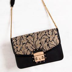 a9b3ee0cec50ba 19 najlepszych obrazów z kategorii torebki | Wallet, Beige tote bags ...