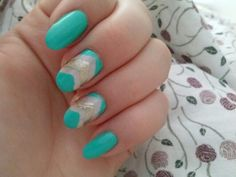 my new mint&gold nails