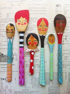DIY Crafts : noodle and lou studio.paint contemporary illustration style spoon people with your kids or art and craft club Wooden Spoon Crafts, Wooden Spoons, Diy Projects To Try, Craft Projects, Art Club Projects, Wood Projects, Diy For Kids, Crafts For Kids, Painted Spoons