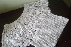 Crochet Poncho, Crochet Lace, Crochet Tank Tops, Neck Pattern, Diy And Crafts, Projects To Try, How To Make, Crochet Blouse, Crochet Lace Tops