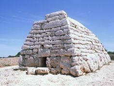 Naveta funeraria de Es Tudons, Menorca