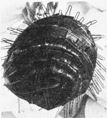 written directions for using water wave combs. Could be tried with modern curved combs too. Waves Iron, Marcel Waves, 1920s Hairstyles, Vintage Style, Vintage Fashion, Finger Waves, Water Waves, Hair Brush, Silver Hair