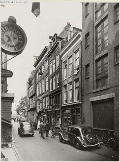 Zeedijk Street Run, Street View, Amsterdam Cafe, Red Light District, Old City, Best Memories, Asd, Street Photography, Holland