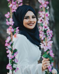 Hijab Outfit, Girl Hijab, Hijab Stile, Muslim Beauty, Beautiful Hijab, Girls Dpz, Muslim Women, Girl Photos, Hijab Fashion