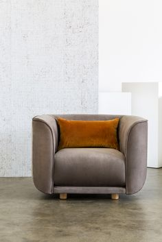 61 best the beauty of leather images design files filing living area rh pinterest com