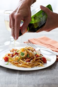 This quick-and-easy pasta dish makes use of the still-in-season, super-sweet cherry and sun gold tomatoes. Pasta Recipes, Dinner Recipes, Cooking Recipes, Healthy Recipes, Giada Recipes, Pasta Meals, What's Cooking, Healthy Meals, Cherry Tomato Pasta
