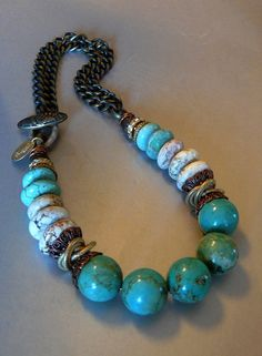 Big BlueGreen Turquoise and White Magnesite por pmdesigns09 en Etsy