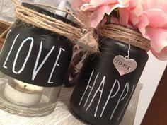"""non buttiamo i barattoli di vetro...possono diventare porta lumi...porta fiori...e con una simpatica pittura """"LAVAGNA"""" possiamo scrivere i ns. messaggi preferiti!"""