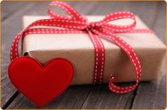 60 inexpensive and simple gift ideas that show how much you care on Valentine's Day. Valentine Day Crafts, Valentine Decorations, Happy Valentines Day, Holiday Crafts, Holiday Fun, Holiday Ideas, Chocolates, Christmas Party Games, Stationery Templates