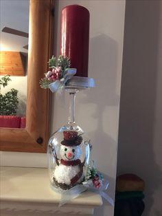 Snow Globes, Wine, Glasses, Home Decor, Eyewear, Homemade Home Decor, Eyeglasses, Eye Glasses, Decoration Home