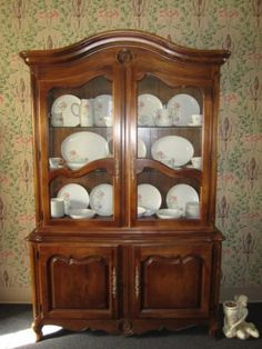 Ethan Allen Country French Lighted China Hutch Antiqued Fruitwood 26 6317