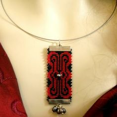 Red and black seed bead loomed necklace with pearls