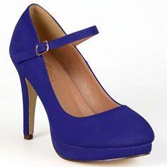 Journee Collection Shelby Women's Wide-Width Platform Mary Jane Heels