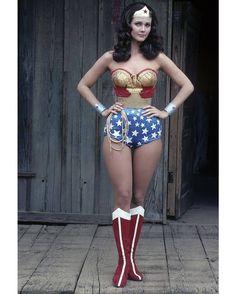 regram @historiaemimagens A mais famosa Mulher-Maravilha até hoje foi apresentada por Lynda Carter entre 1975 e 1979 na série de TV do canal ABC.