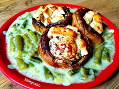 Slimgastro: Fetasajttal sült gomba spenótos zöldbab főzelékkel... Vegetable Pizza, Hummus, Chicken, Vegetables, Ethnic Recipes, Food, Mushrooms, Essen, Vegetable Recipes