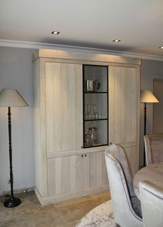 Living Room Inspiration, Tall Cabinet Storage, Dining Chairs, Sweet Home, New Homes, Home And Garden, Shelves, House Design, Interior Design