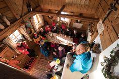 Unsere private Wolf's Hütte ist ein wahres Schmuckstück - egal ob Hausskitag im Winter, Bergbrunch im Sommer oder für Tagungen bis 30 Personen!