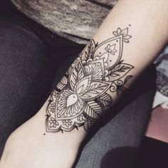 76 Brilliant Mandala Tattoos You Wish To Have