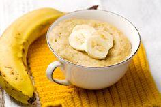 Deze havermout mug cake met banaan is kids proof! Hoe leuk is het om cake te eten als ontbijt? Wedden dat ze hun bed uitspringen om te komen ontbijten? #mugcake #glutenfree #banana www.eatpurelove.nl