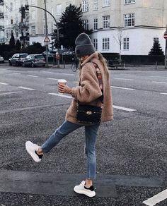 21 Teddy Bear Jacket & Coats Ideas Street Styles Winter jacket outfits - Fall fashion jacket outfits Awesome Jacket For Women Winter Casual Outfits Mode Outfits, Outfits For Teens, Casual Outfits, Fashion Outfits, Party Outfit Casual, Hipster Girl Outfits, Outfits 2016, Fashionable Outfits, Warm Outfits