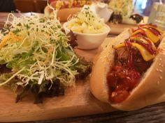 Viikko Hong Kongissa vierähti liiankin nopeasti, sillä saimme koettua vain murto-osan sen tarjonnasta. Mitä vierailu meille antoi ja missä ruokailimme? Postauksessa hieman asiaa tästä ja hei; ruokapaikathan ovat myös vegaaneille sopivia!  #HongKong #VegaaninaHongKongissa #VegaaninenHongKong #Blogipostaus #Ulkosuomalainen #Vegaaniblogi